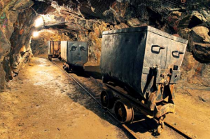 India's mass cancellation of mining licenses spurs debate